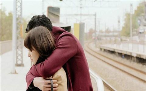 相互暧昧的人如何突破关系,晋升到恋人